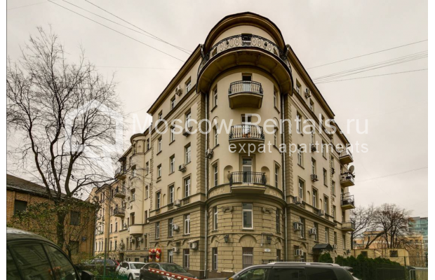 """Photo #1 3-room (2 BR) apartment <u>for a long-term rent</u> (<a href=""""http://moscow-rentals.ru/en/articles/long-term-rent"""" target=""""_blank"""">FAQ</a>)    in Russia, Moscow, Tsvetnoi blv,  22С4"""