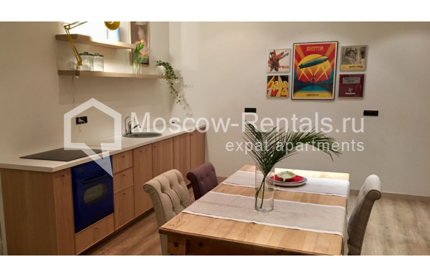 "Photo #1 3-room (2 BR) apartment for <a href=""http://moscow-rentals.ru/en/articles/long-term-rent"" target=""_blank"">a long-term</a> rent  in Russia, Moscow, Sadovaya-Karetnaya str, 20С2"