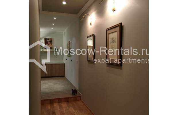 "Photo #10 3-room (2 BR) apartment for <a href=""http://moscow-rentals.ru/en/articles/long-term-rent"" target=""_blank"">a long-term</a> rent  in Russia, Moscow, Sadovaya-Karetnaya str, 20С2"