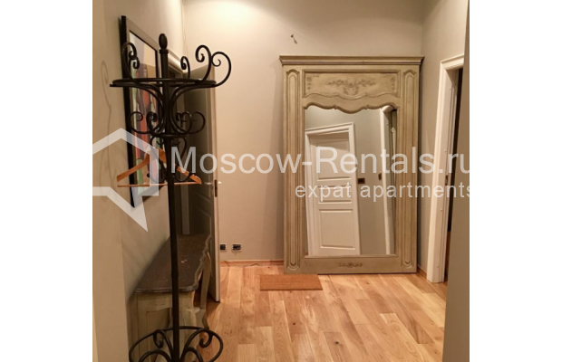 "Photo #15 3-room (2 BR) apartment for <a href=""http://moscow-rentals.ru/en/articles/long-term-rent"" target=""_blank"">a long-term</a> rent  in Russia, Moscow, Sadovaya-Karetnaya str, 20С2"