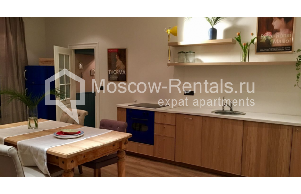 "Photo #4 3-room (2 BR) apartment for <a href=""http://moscow-rentals.ru/en/articles/long-term-rent"" target=""_blank"">a long-term</a> rent  in Russia, Moscow, Sadovaya-Karetnaya str, 20С2"