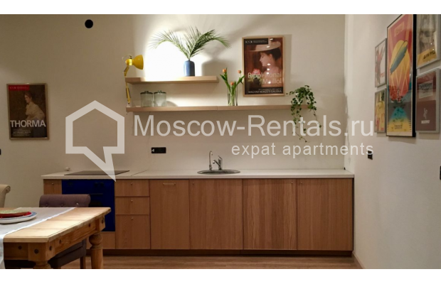 "Photo #3 3-room (2 BR) apartment for <a href=""http://moscow-rentals.ru/en/articles/long-term-rent"" target=""_blank"">a long-term</a> rent  in Russia, Moscow, Sadovaya-Karetnaya str, 20С2"