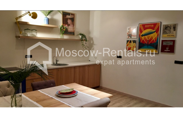 "Photo #7 3-room (2 BR) apartment for <a href=""http://moscow-rentals.ru/en/articles/long-term-rent"" target=""_blank"">a long-term</a> rent  in Russia, Moscow, Sadovaya-Karetnaya str, 20С2"