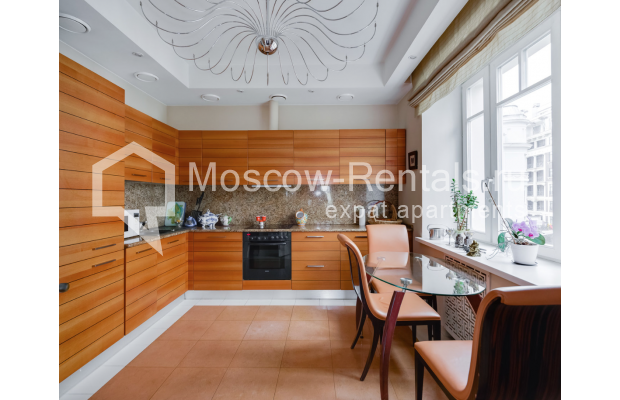 """Photo #6 4-room (3 BR) apartment for <a href=""""http://moscow-rentals.ru/en/articles/long-term-rent"""" target=""""_blank"""">a long-term</a> rent  in Russia, Moscow, Malaya Polyanka str, 5"""