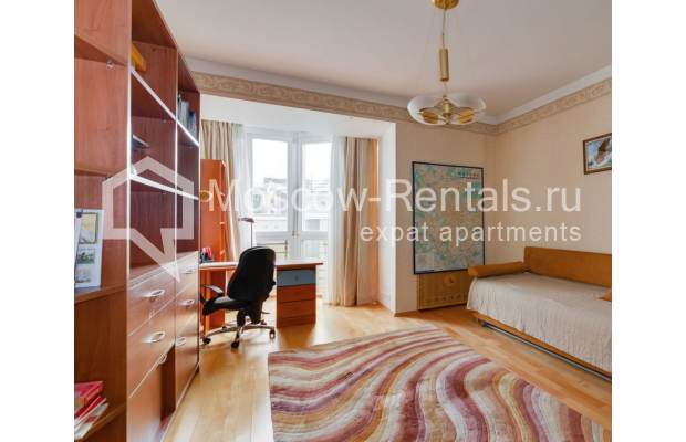 """Photo #8 4-room (3 BR) apartment for <a href=""""http://moscow-rentals.ru/en/articles/long-term-rent"""" target=""""_blank"""">a long-term</a> rent  in Russia, Moscow, Malaya Polyanka str, 5"""