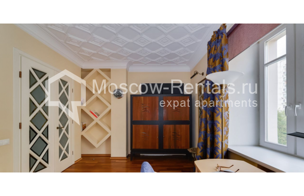 """Photo #10 4-room (3 BR) apartment for <a href=""""http://moscow-rentals.ru/en/articles/long-term-rent"""" target=""""_blank"""">a long-term</a> rent  in Russia, Moscow, Malaya Polyanka str, 5"""
