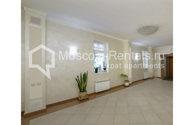 """Photo #16 4-room (3 BR) apartment for <a href=""""http://moscow-rentals.ru/en/articles/long-term-rent"""" target=""""_blank"""">a long-term</a> rent  in Russia, Moscow, Malaya Polyanka str, 5"""