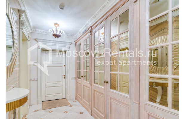 "Photo #2 4-room (3 BR) apartment for <a href=""http://moscow-rentals.ru/en/articles/long-term-rent"" target=""_blank"">a long-term</a> rent  in Russia, Moscow, B. Polyanka str, 43 С 3"