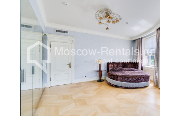 "Photo #8 4-room (3 BR) apartment for <a href=""http://moscow-rentals.ru/en/articles/long-term-rent"" target=""_blank"">a long-term</a> rent  in Russia, Moscow, B. Polyanka str, 43 С 3"
