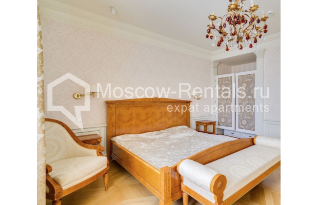 "Photo #6 4-room (3 BR) apartment for <a href=""http://moscow-rentals.ru/en/articles/long-term-rent"" target=""_blank"">a long-term</a> rent  in Russia, Moscow, B. Polyanka str, 43 С 3"