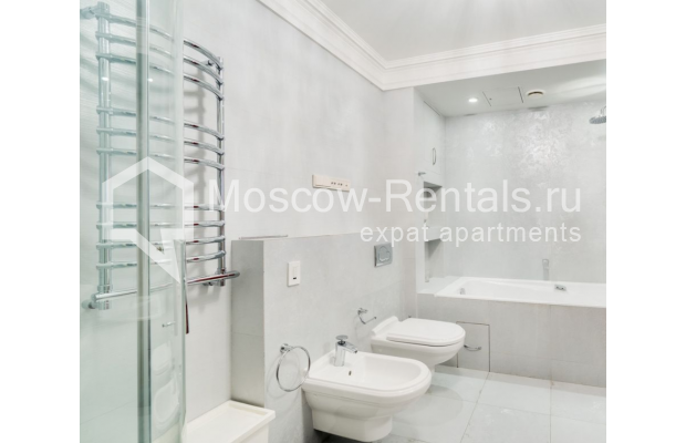 "Photo #10 4-room (3 BR) apartment for <a href=""http://moscow-rentals.ru/en/articles/long-term-rent"" target=""_blank"">a long-term</a> rent  in Russia, Moscow, B. Polyanka str, 43 С 3"