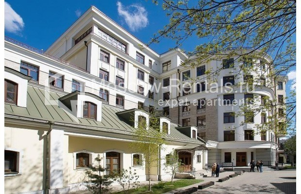"""Photo #1 4-room (3 BR) apartment for <a href=""""http://moscow-rentals.ru/en/articles/long-term-rent"""" target=""""_blank"""">a long-term</a> rent  in Russia, Moscow, B.Polyanka str, 43 С 3"""