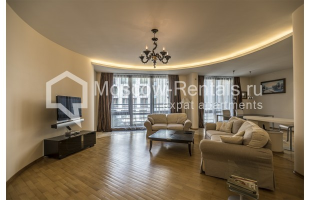 Photo #2 3-room (2 BR) apartment <u>for sale</u> in Russia, Moscow, 1st Zachatievskyi lane,  5