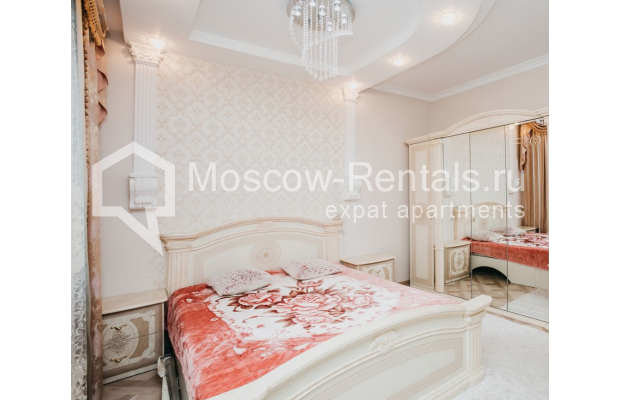 """Photo #9 3-room (2 BR) apartment for <a href=""""http://moscow-rentals.ru/en/articles/long-term-rent"""" target=""""_blank"""">a long-term</a> rent  in Russia, Moscow, 2nd Samarinskaya str, 4"""