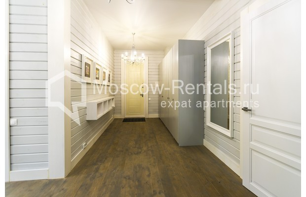 "Photo #5 House <u>for a long-term rent</u> (<a href=""http://moscow-rentals.ru/en/articles/long-term-rent"" target=""_blank"">FAQ</a>)    in Russia, Moscow, Palitsy village"