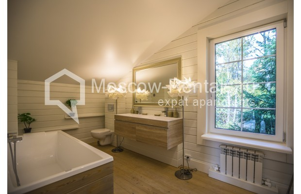 "Photo #6 House <u>for a long-term rent</u> (<a href=""http://moscow-rentals.ru/en/articles/long-term-rent"" target=""_blank"">FAQ</a>)    in Russia, Moscow, Palitsy village"