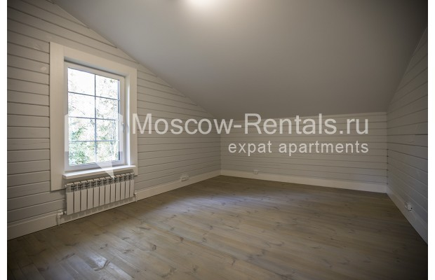 "Photo #14 House <u>for a long-term rent</u> (<a href=""http://moscow-rentals.ru/en/articles/long-term-rent"" target=""_blank"">FAQ</a>)    in Russia, Moscow, Palitsy village"