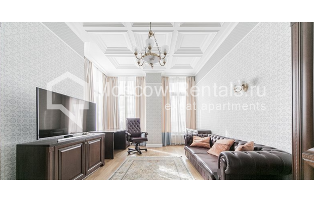 """Photo #13 5-room (4 BR) apartment for <a href=""""http://moscow-rentals.ru/en/articles/long-term-rent"""" target=""""_blank"""">a long-term</a> rent  in Russia, Moscow, Shabolovka str, 10 к 1"""