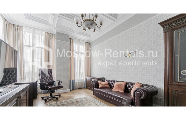"""Photo #14 5-room (4 BR) apartment for <a href=""""http://moscow-rentals.ru/en/articles/long-term-rent"""" target=""""_blank"""">a long-term</a> rent  in Russia, Moscow, Shabolovka str, 10 к 1"""