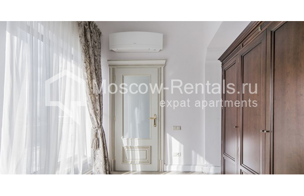"""Photo #18 5-room (4 BR) apartment for <a href=""""http://moscow-rentals.ru/en/articles/long-term-rent"""" target=""""_blank"""">a long-term</a> rent  in Russia, Moscow, Shabolovka str, 10 к 1"""