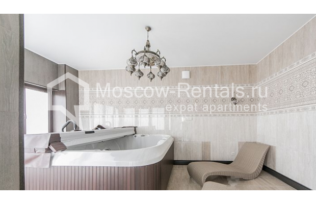 """Photo #25 5-room (4 BR) apartment for <a href=""""http://moscow-rentals.ru/en/articles/long-term-rent"""" target=""""_blank"""">a long-term</a> rent  in Russia, Moscow, Shabolovka str, 10 к 1"""