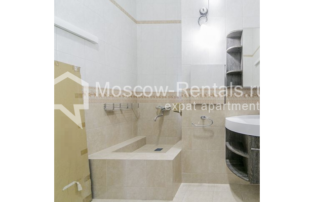 """Photo #34 5-room (4 BR) apartment for <a href=""""http://moscow-rentals.ru/en/articles/long-term-rent"""" target=""""_blank"""">a long-term</a> rent  in Russia, Moscow, Shabolovka str, 10 к 1"""