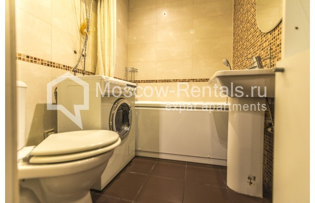 "Photo #10 2-room (1 BR) apartment <u>for a long-term rent</u> (<a href=""http://moscow-rentals.ru/en/articles/long-term-rent"" target=""_blank"">FAQ</a>)    in Russia, Moscow, Glinishchevskyi lane,  5/7"