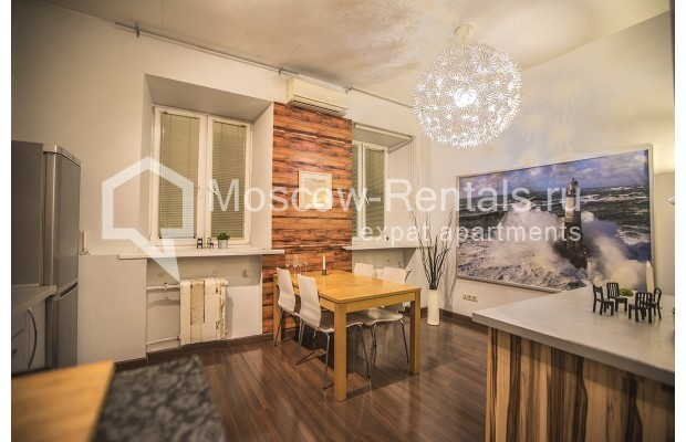 "Photo #2 2-room (1 BR) apartment <u>for a long-term rent</u> (<a href=""http://moscow-rentals.ru/en/articles/long-term-rent"" target=""_blank"">FAQ</a>)    in Russia, Moscow, Glinishchevskyi lane,  5/7"