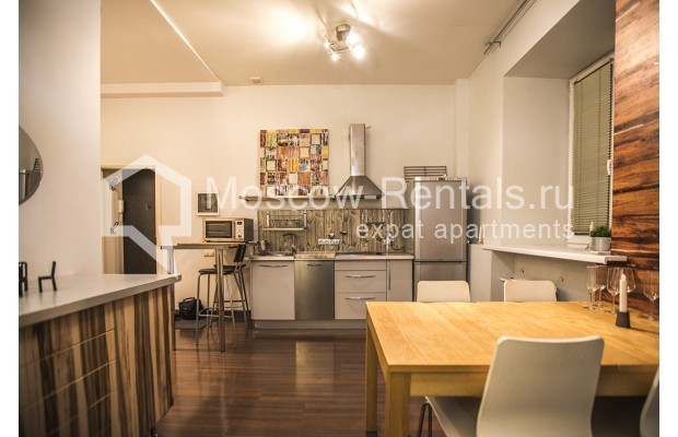 "Photo #1 2-room (1 BR) apartment <u>for a long-term rent</u> (<a href=""http://moscow-rentals.ru/en/articles/long-term-rent"" target=""_blank"">FAQ</a>)    in Russia, Moscow, Glinishchevskyi lane,  5/7"