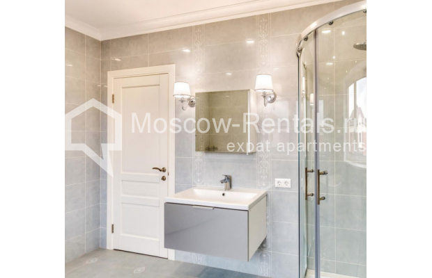 "Photo #16 House <u>for a long-term rent</u> (<a href=""http://moscow-rentals.ru/en/articles/long-term-rent"" target=""_blank"">FAQ</a>)    in Russia, Moscow, Nezhinskaya str, 14 К 2"
