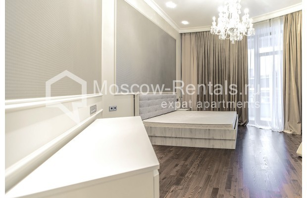 "Photo #12 5-room (4 BR) apartment for <a href=""http://moscow-rentals.ru/en/articles/long-term-rent"" target=""_blank"">a long-term</a> rent  in Russia, Moscow, Efremova str, 10 с 1"