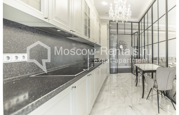 "Photo #6 5-room (4 BR) apartment for <a href=""http://moscow-rentals.ru/en/articles/long-term-rent"" target=""_blank"">a long-term</a> rent  in Russia, Moscow, Efremova str, 10 с 1"