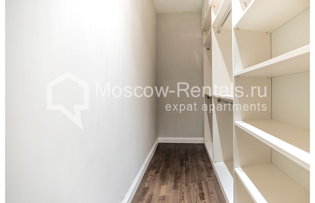 "Photo #16 5-room (4 BR) apartment for <a href=""http://moscow-rentals.ru/en/articles/long-term-rent"" target=""_blank"">a long-term</a> rent  in Russia, Moscow, Efremova str, 10 с 1"