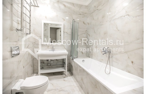"Photo #17 5-room (4 BR) apartment for <a href=""http://moscow-rentals.ru/en/articles/long-term-rent"" target=""_blank"">a long-term</a> rent  in Russia, Moscow, Efremova str, 10 с 1"