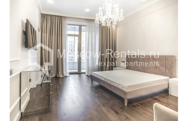 "Photo #7 5-room (4 BR) apartment for <a href=""http://moscow-rentals.ru/en/articles/long-term-rent"" target=""_blank"">a long-term</a> rent  in Russia, Moscow, Efremova str, 10 с 1"
