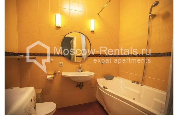 "Photo #5 2-room (1 BR) apartment <u>for a long-term rent</u> (<a href=""http://moscow-rentals.ru/en/articles/long-term-rent"" target=""_blank"">FAQ</a>)    in Russia, Moscow, Tverskaya str, 15"