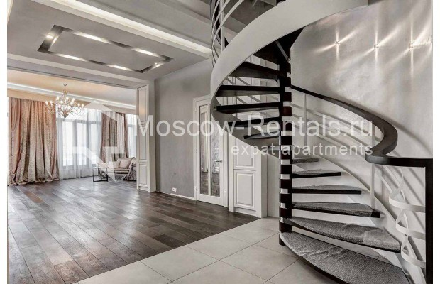 "Photo #1 4-room (3 BR) apartment <u>for a long-term rent</u> (<a href=""http://moscow-rentals.ru/en/articles/long-term-rent"" target=""_blank"">FAQ</a>)    in Russia, Moscow, Malaya Polyanka str, 2"
