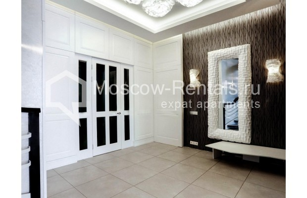 "Photo #9 4-room (3 BR) apartment <u>for a long-term rent</u> (<a href=""http://moscow-rentals.ru/en/articles/long-term-rent"" target=""_blank"">FAQ</a>)    in Russia, Moscow, Malaya Polyanka str, 2"
