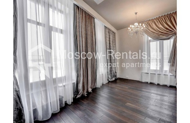 "Photo #7 4-room (3 BR) apartment <u>for a long-term rent</u> (<a href=""http://moscow-rentals.ru/en/articles/long-term-rent"" target=""_blank"">FAQ</a>)    in Russia, Moscow, Malaya Polyanka str, 2"