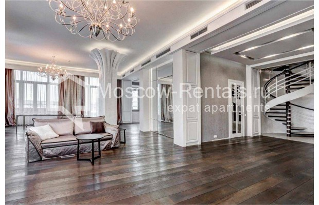 "Photo #2 4-room (3 BR) apartment <u>for a long-term rent</u> (<a href=""http://moscow-rentals.ru/en/articles/long-term-rent"" target=""_blank"">FAQ</a>)    in Russia, Moscow, Malaya Polyanka str, 2"