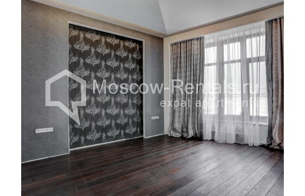 "Photo #6 4-room (3 BR) apartment <u>for a long-term rent</u> (<a href=""http://moscow-rentals.ru/en/articles/long-term-rent"" target=""_blank"">FAQ</a>)    in Russia, Moscow, Malaya Polyanka str, 2"