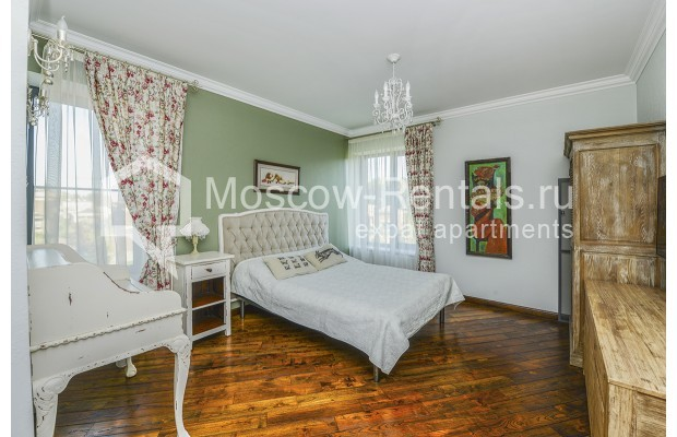 "Photo #10 House <u>for a long-term rent</u> (<a href=""http://moscow-rentals.ru/en/articles/long-term-rent"" target=""_blank"">FAQ</a>)    in Russia, Moscow, Prozorovo villate, New Riga direction"