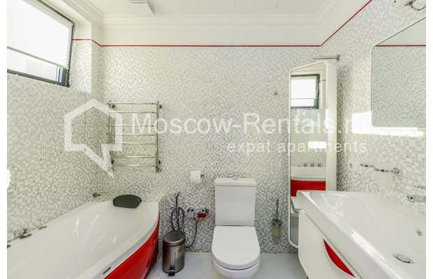 "Photo #23 House <u>for a long-term rent</u> (<a href=""http://moscow-rentals.ru/en/articles/long-term-rent"" target=""_blank"">FAQ</a>)    in Russia, Moscow, Prozorovo villate, New Riga direction"
