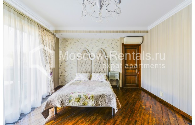 """Photo #12 House for <a href=""""http://moscow-rentals.ru/en/articles/long-term-rent"""" target=""""_blank"""">a long-term</a> rent  in Russia, Moscow, Prozorovo villate, New Riga direction"""