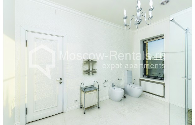 "Photo #25 House <u>for a long-term rent</u> (<a href=""http://moscow-rentals.ru/en/articles/long-term-rent"" target=""_blank"">FAQ</a>)    in Russia, Moscow, Prozorovo villate, New Riga direction"