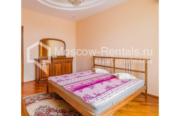"Photo #5 3-room (2 BR) apartment for <a href=""http://moscow-rentals.ru/en/articles/long-term-rent"" target=""_blank"">a long-term</a> rent  in Russia, Moscow, Ermolaevskyi lane, 18А"