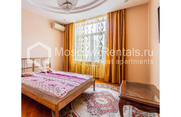"Photo #6 3-room (2 BR) apartment for <a href=""http://moscow-rentals.ru/en/articles/long-term-rent"" target=""_blank"">a long-term</a> rent  in Russia, Moscow, Ermolaevskyi lane, 18А"