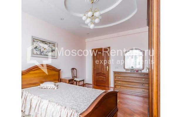 "Photo #3 3-room (2 BR) apartment for <a href=""http://moscow-rentals.ru/en/articles/long-term-rent"" target=""_blank"">a long-term</a> rent  in Russia, Moscow, Ermolaevskyi lane, 18А"