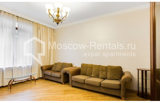 "Photo #3 3-room (2 BR) apartment for <a href=""http://moscow-rentals.ru/en/articles/long-term-rent"" target=""_blank"">a long-term</a> rent  in Russia, Moscow, Spiridonovka str, 18"
