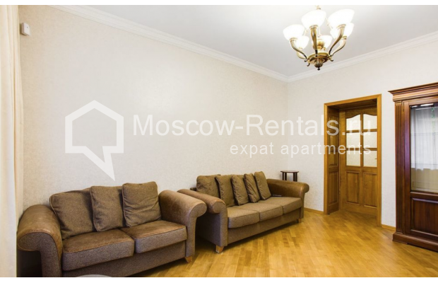 "Photo #2 3-room (2 BR) apartment for <a href=""http://moscow-rentals.ru/en/articles/long-term-rent"" target=""_blank"">a long-term</a> rent  in Russia, Moscow, Spiridonovka str, 18"